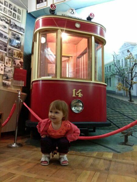 Малышата вполне понимают, что история транспорта это интересно