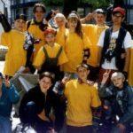 Первая наша рекламная акция 1997. Раздача на роликах новой газеты Удача. В брендовых футболках. На роликовых коньках. Лучше всех работали моя дочь Стасси и другие малые. У них без отказа брали газеты.