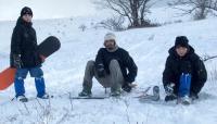 Начинающий инструктор и сноубордические чайники
