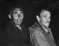 Олег Домбровский и Александр Шкурко в пещере Кизил-коба за сифоном, фото из архива проф. Дублянского, 1958