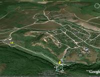 Родновская страусиная ферма и пруд с водопадом и гротом Мердвен Тубю (Тобю), Севастополь, на снимках Гугл Земля