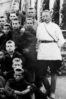 Антон Макаренко и его воспитанники